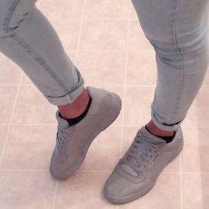 Le adidas yeezy calabasas powerphase scarpe poshmark
